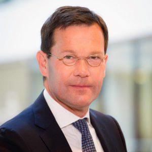 drs. J.E. van der Leije RA